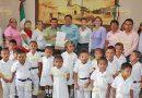 Benefician a preescolar con entrega de escrituras, al fin podrán gestionar obra pública