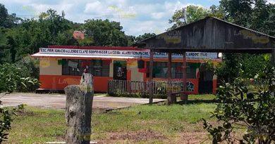 Pareja Sustrae Niño Primaria La Ceiba