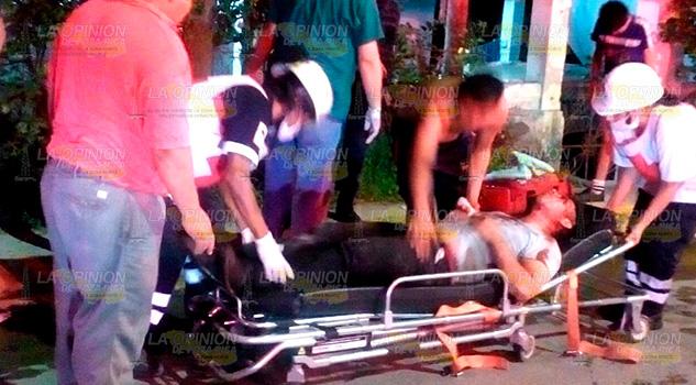 Brutal accidente en Cerro Azul; estudiante casi se saca un ojo