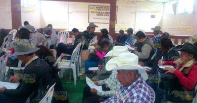 Capacitan sobre enfermedades de ganado en Chicontepec