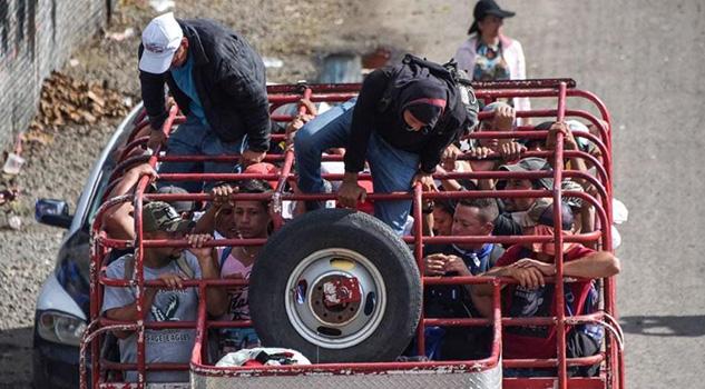 Caravana migrante llega a Huixtla su segunda parada