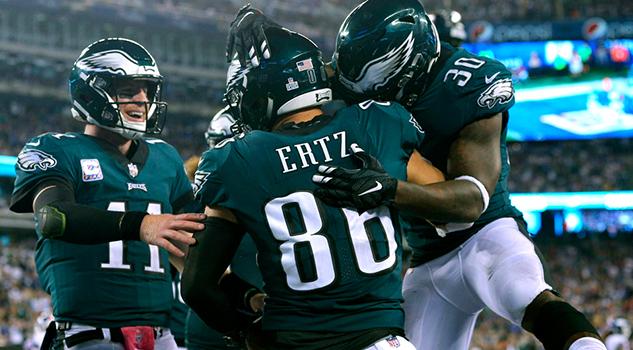 Carson Wentz lanza para 3 anotaciones en el triunfo de Eagles