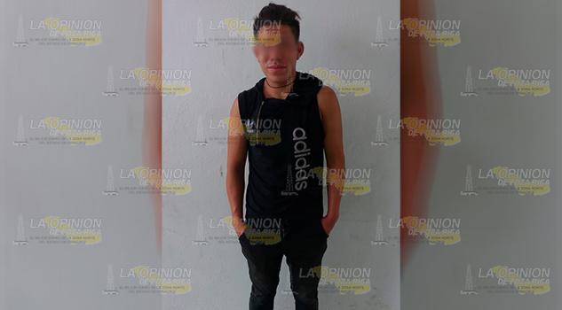 Detiene a presunto ladrón con autoestéreo en Tuxpan