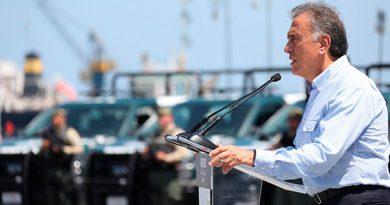 El Gobernador Yunes entregó 43 nuevas patrullas para mejorar la seguridad