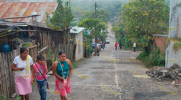 Enfrentan situación de abandono madres solteras en zona serrana