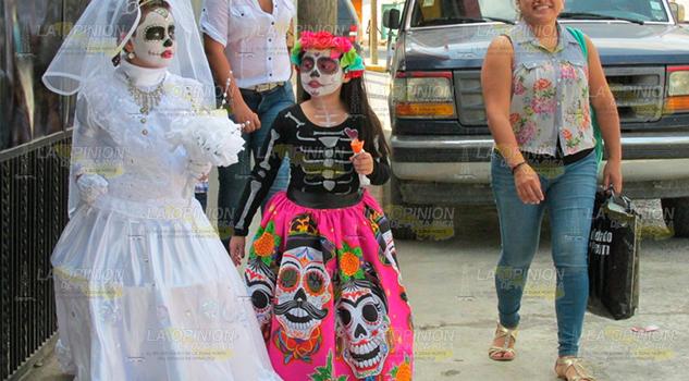 Inician preparativos para el próximo Día de Muertos en Álamo