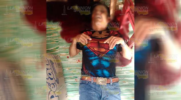 Lo asesinan a balazos al interior de su tienda en Huauchinango