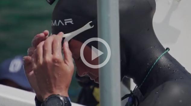 Mujer submarinista bate el récord mundial de profundidad