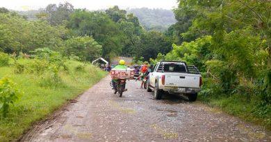 No permiten paso de unidades de PEMEX en localidad de Tihuatlán