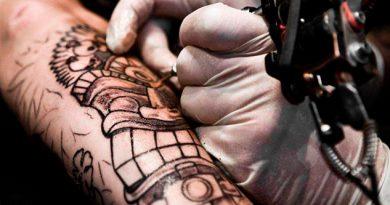 Pese a que nueva ley prohíbe discriminación, SSP no contrata a tatuados