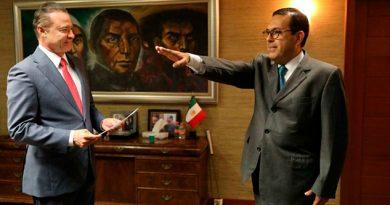 Renuncia titular de Sedesol de Sinaloa por colchones viejos
