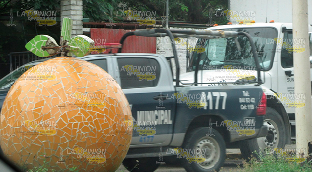 Roban camión con 16 toneladas de naranjas en Álamo