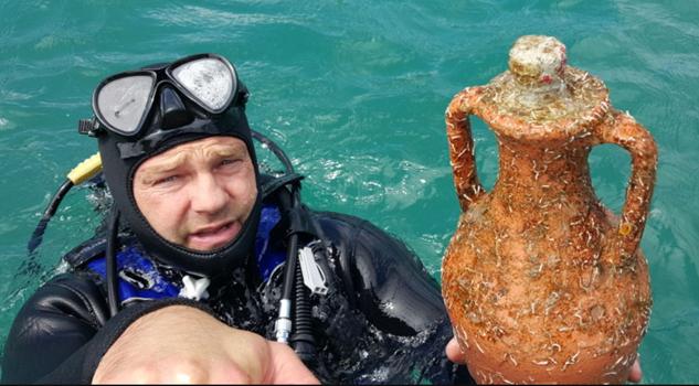 Se inaugura el primer viñedo debajo del agua en Croacia