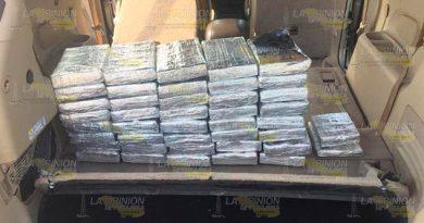 Sedena encuentra dos millones de dólares en camioneta