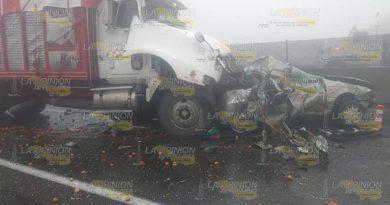 Tres muertos en carambola de autos
