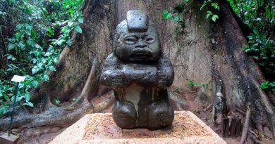 Turistas Extranjeros Echan Perder Piezas Arqueológicas Mexicanas
