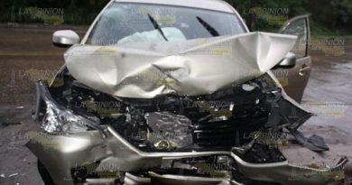 Tres lesionados en fuerte colisión