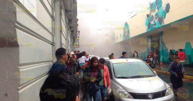 ¡Incendio en el mercado Jauregui de Xalapa!