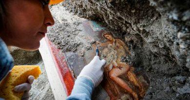 ¡Encuentran pintura con personajes mitológicos en ruinas de Pompeya!