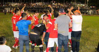 Champion Lalo Chapultepec avanza tras ganarle a Tihuatlán Centro