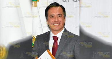Cuitláhuac García asume gobierno de Veracruz