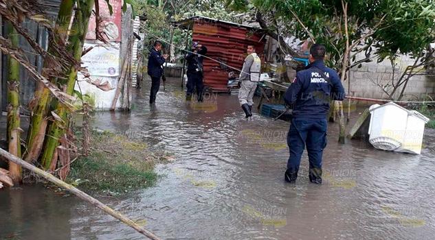 Frente frío número 10, deja inundaciones en Tamiahua