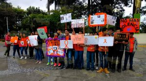 Jóvenes en Poza Rica piden no más violencia a las mujeres