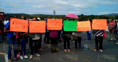 Nuevamente bloquean la autopista Naranjos-Tuxpan