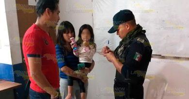 Policía municipal encuentra a niña deambulando en Tuxpan