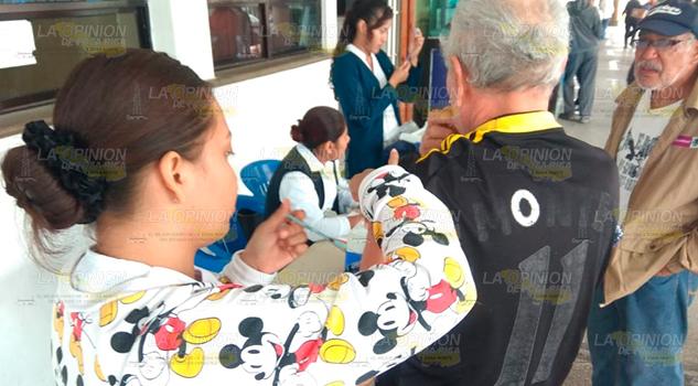 Refuerzan acciones de vacunación en Tuxpan