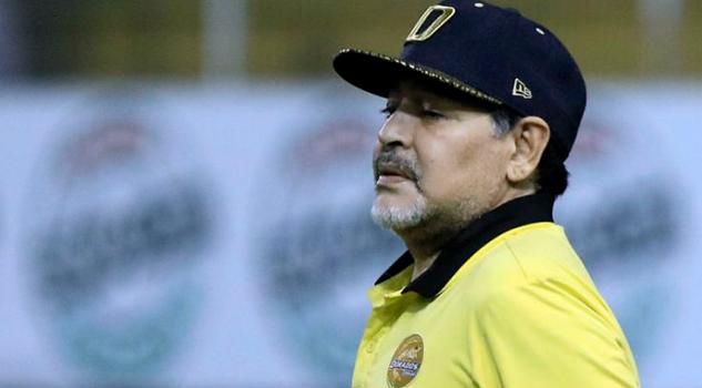 Sanción económica a Maradona tras queja de árbitros