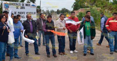 Simula alcalde inicio de obras en Cerro Azul