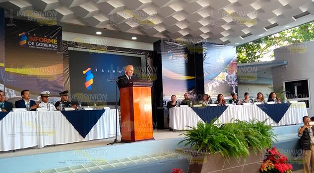 Alcalde de Álamo rinde su Primer Informe de Gobierno