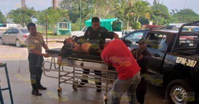 Casi muere infartado en el camión en el que viajaba