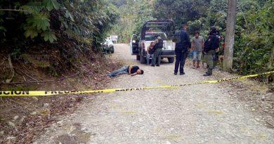 El ahora occiso fue identificado como Luis Enrique M.G., de 21 años de edad, con domicilio en la localidad de Plan de