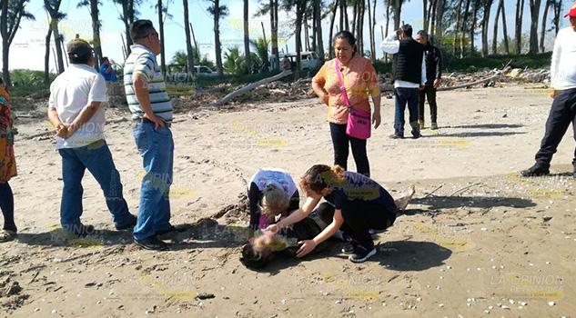 Encuentran segundo cuerpo de turistas del Edo. de México en playa de Tuxpan