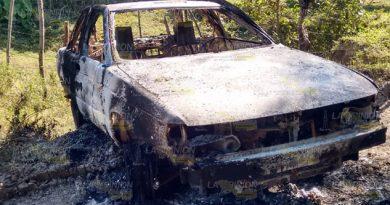 Hallan taxi calcinado sobre brecha en la Sierra de Otontepec