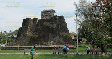 Pirámide en Tihuatlán, en la cúspide del deterioro
