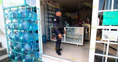 Presunto estudiante asalta una farmacia