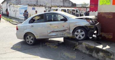 Provoca fuerte choque durante balacera en Martínez de la Torre