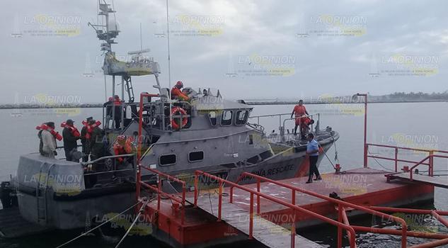 Rescatan a tres pescadores reportados como desaparecidos