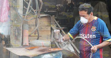 Sin trabajo carpinteros de Tihuatlán