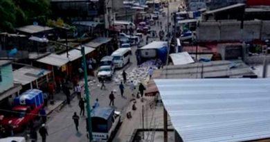 Tráiler se queda sin frenos en Chiapas; deja un muerto y 3 heridos