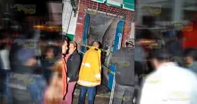 Voraz incendio en el mercado municipal de Tlapacoyan