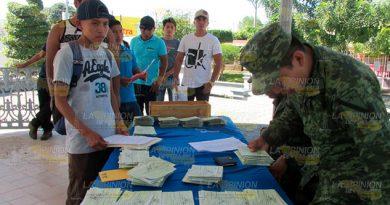 Invitan a reclamar Cartillas Militares en Tihuatlán