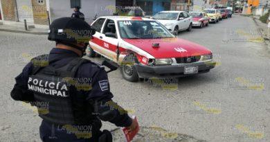 Daños materiales y un herido en fuerte choque en el cruce de la avenida Colombia en Tuxpan