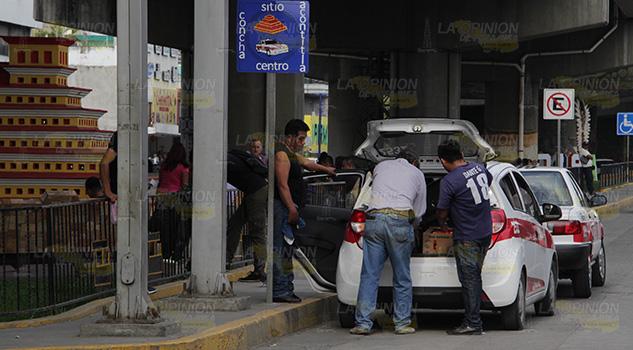 ¡El colmo! Instalan sitio en pleno centro de Poza Rica