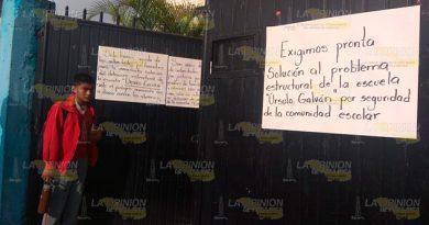 ¡A punto de derrumbarse otra escuela peligrosa en Tuxpan!