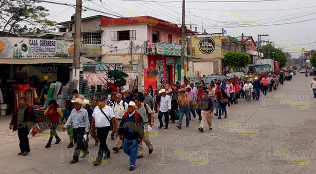 400 Pueblos piden liberación de 9 vehículos en corralón de Álamo