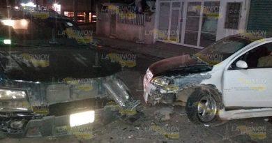 Albañil se duerme al volante y choca en Tuxpan